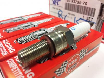 Jgo. 4 bujías de calle y circuito para R6'06-18